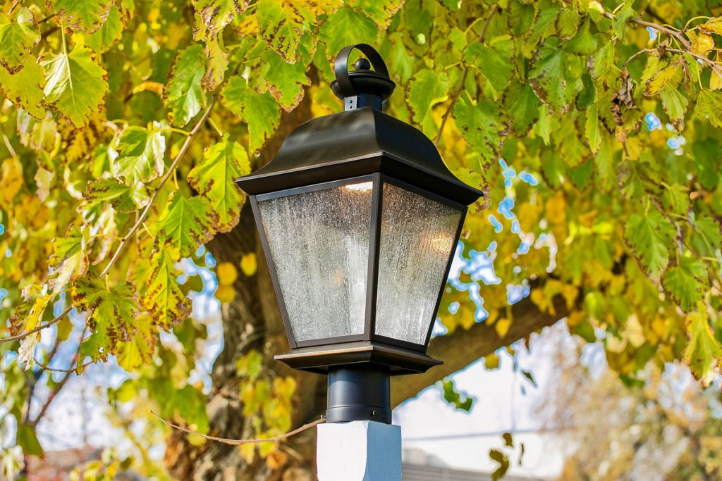 This outdoor lamp post adds curb appeal and vintage charm.