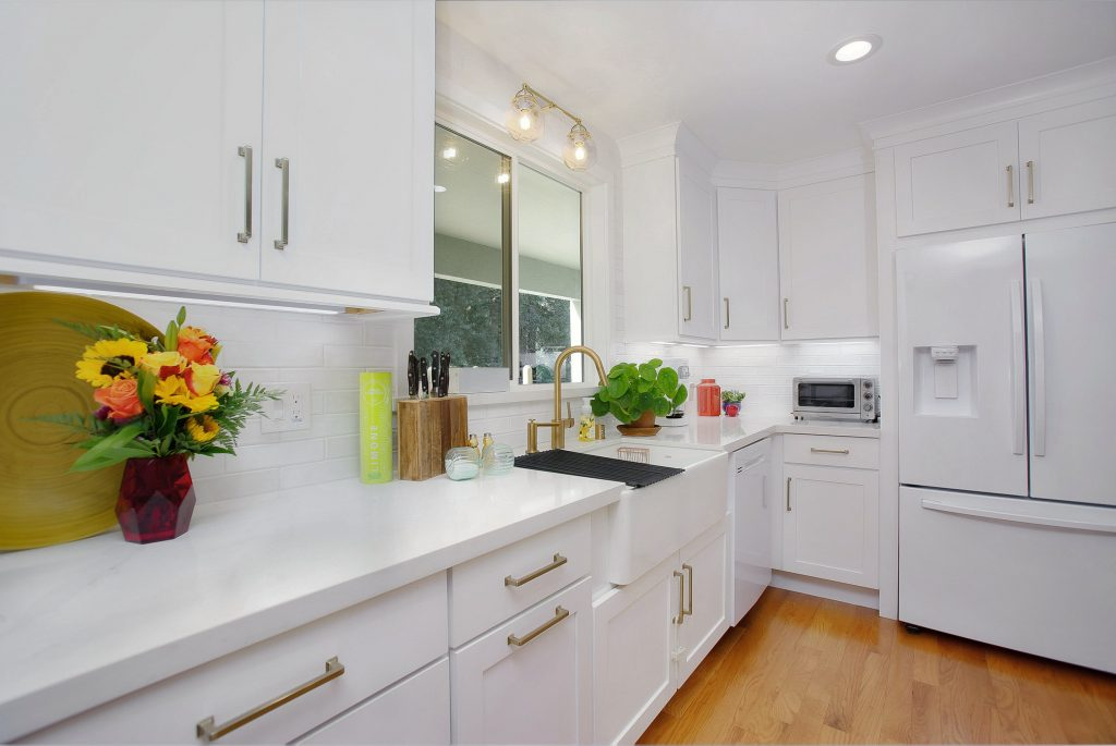 Modernizing a kitchen and living room 9