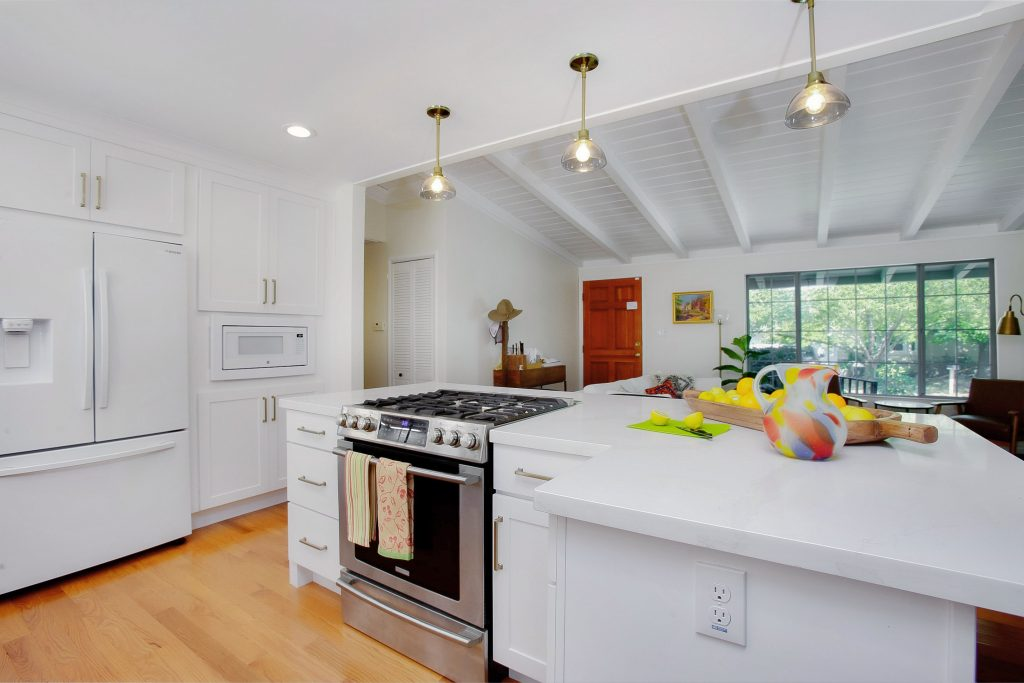 Modernizing a kitchen and living room 13