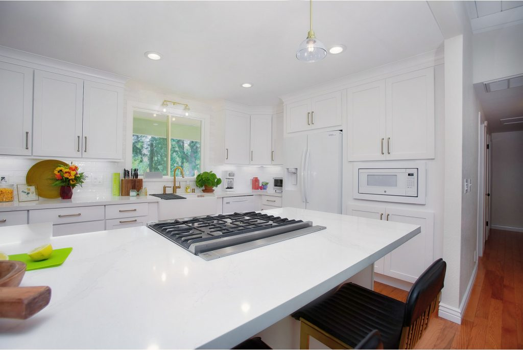 Modernizing a kitchen and living room 14