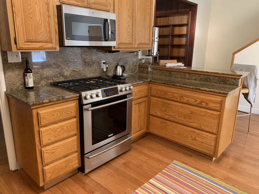 Modernizing a kitchen and living room 4